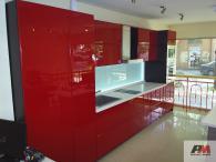 Кухня от МДФ гланц в червено