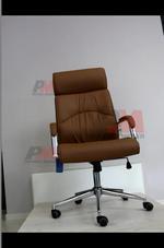 скъпи офис столове от различна гама материали