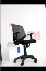 евтини офис столове от различна гама материали
