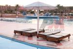 дървени шезлонги за басейни,подходящи за навън