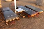 Устойчиви дървени шезлонги за плаж