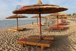 Вносни дървени шезлонги за плаж